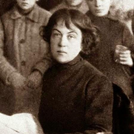 Muerte de Alexandra Kolontái