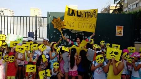protesta-calor-colegios-ab--1240x698-U10492691482UpF--620x349@abc-Home