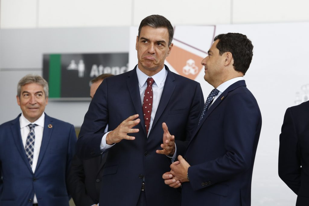 """El Gobierno central retirará su recurso ante el Tribunal Constitucional con el Decreto Ley 2/2020, de 9 de marzo, de """"mejora y simplificación de la regulación para el fomento de la actividad productiva de Andalucía"""" aprobado por la administración andaluza(PP-C's-Vox)."""